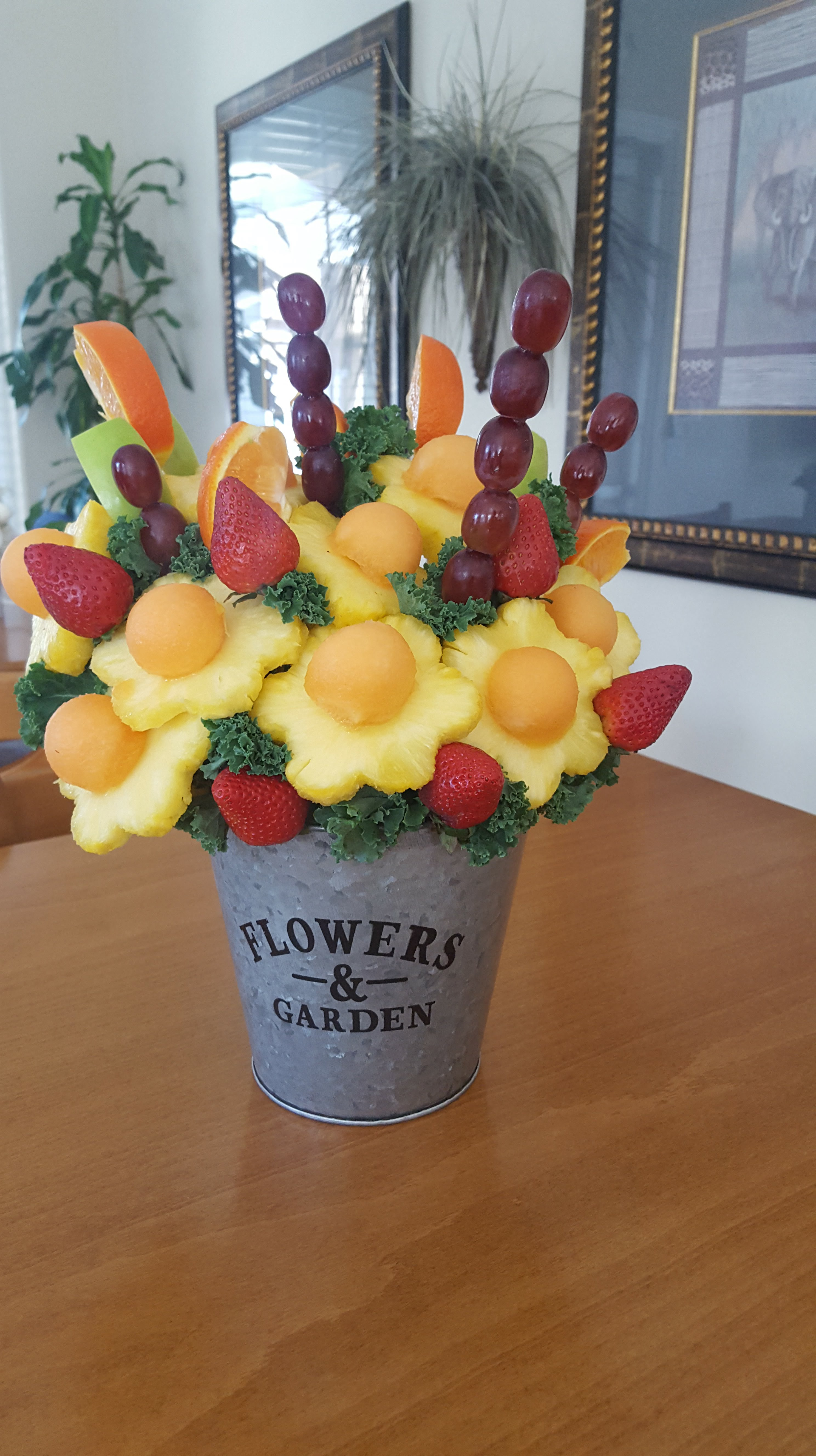 Diy edible arrangement less than 20 sweet savory grace this diy fruit bouquet is comparable to edible arrangements large fruit bouquet for 109 izmirmasajfo